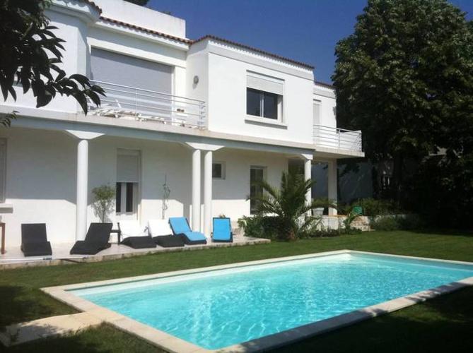 Vendu - 12ème - St Barnabé -Villa avec jardin + piscine- 865 000 €