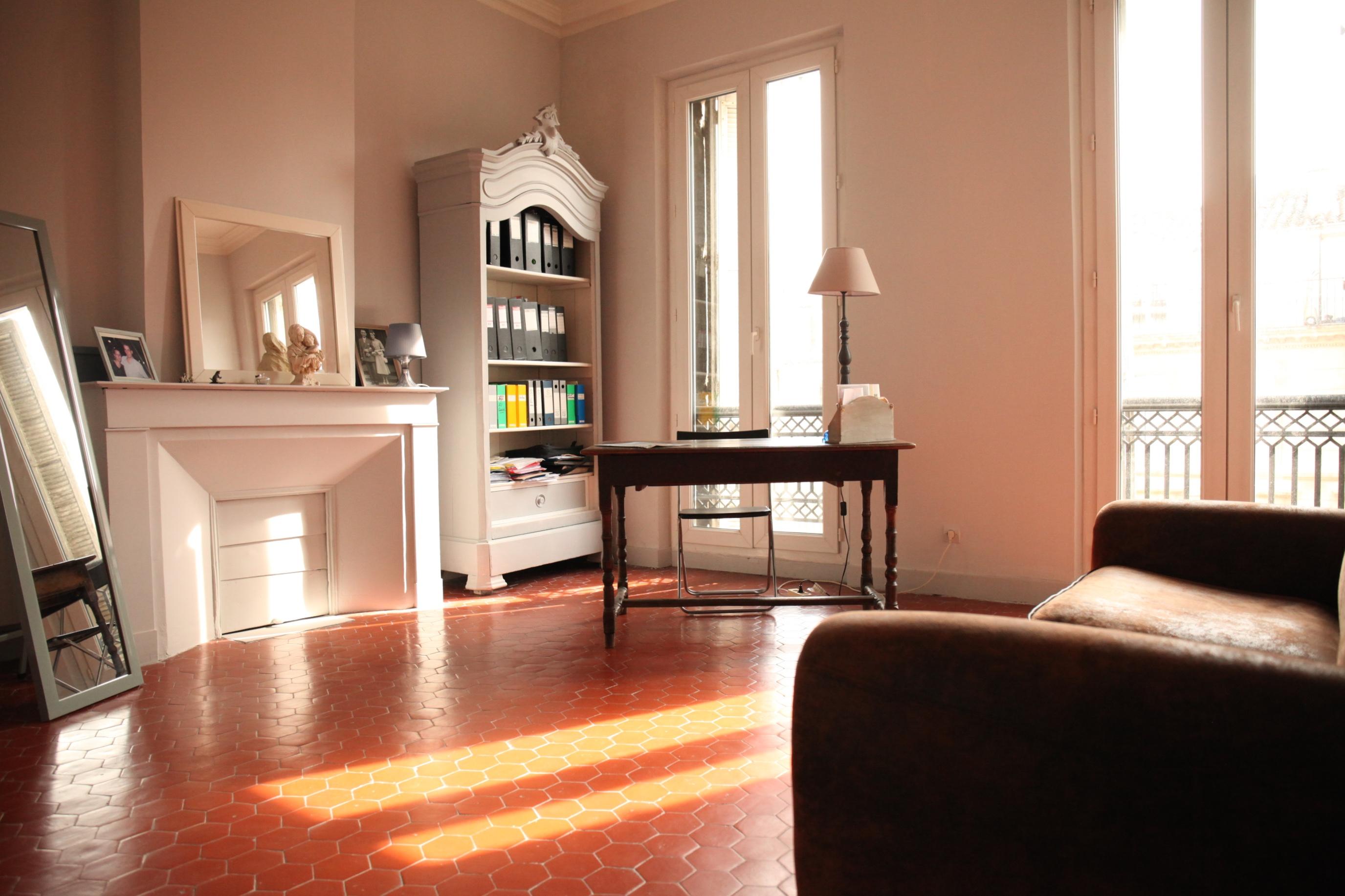 1er - Longchamp - T4/5 - chambres de services - 449 000€