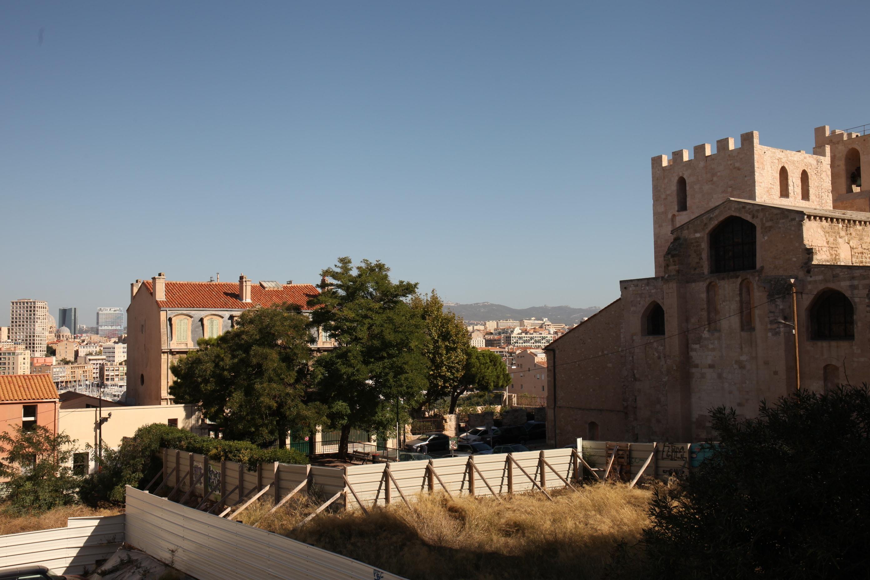 7e - Saint Victor - T3 avec vue sur l'Abbaye - 189 000 €