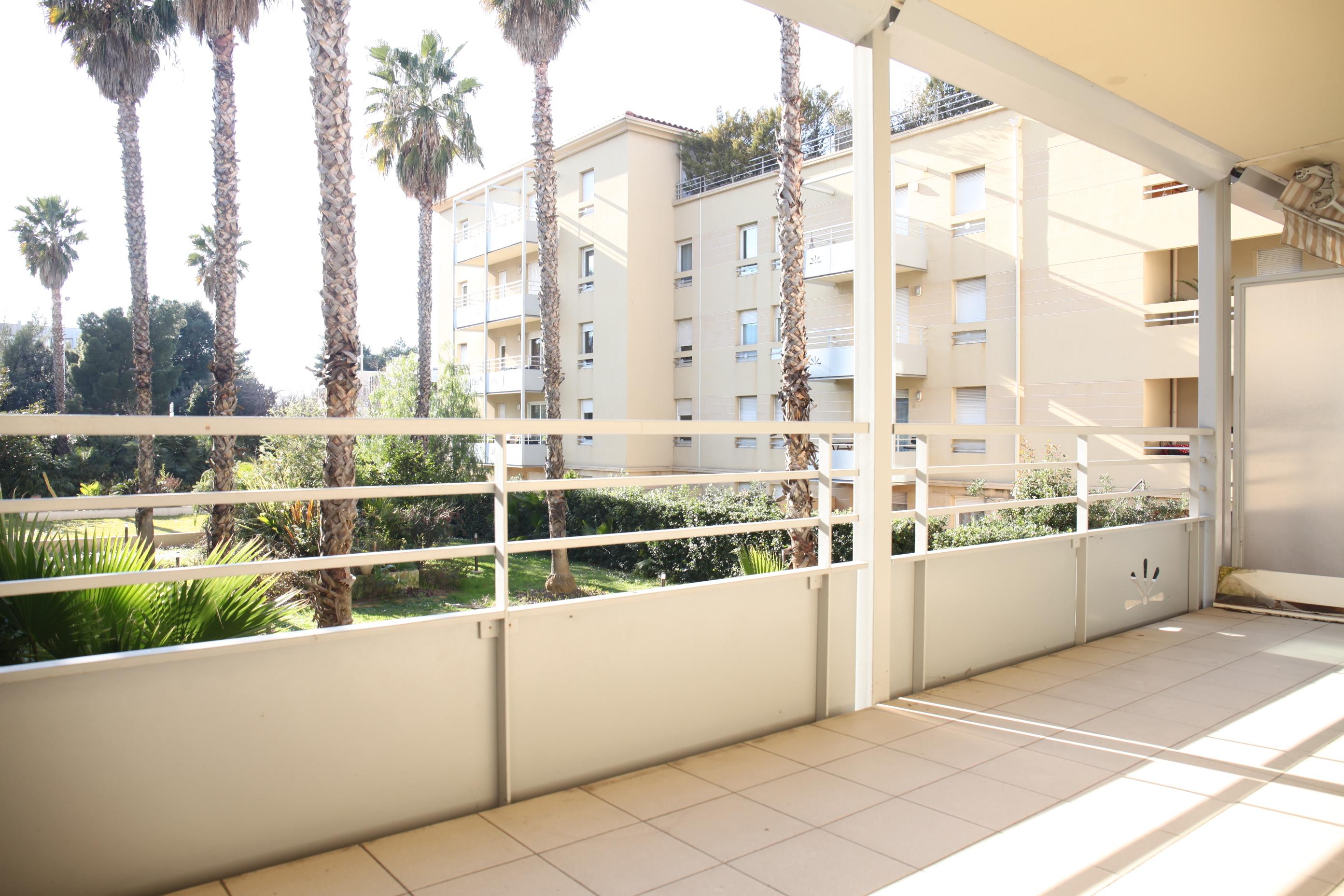 OFFRE EN COURS- Bonneveine - T4 avec terrasse & balcon - parking - 319 000 €