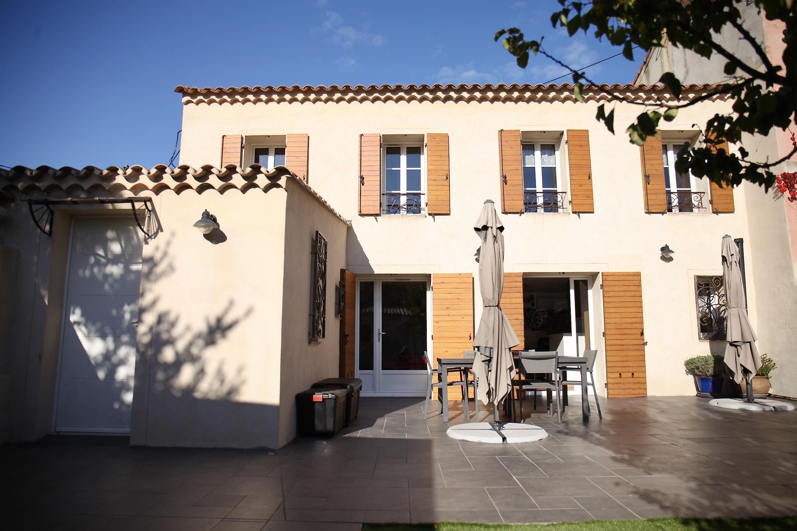 12 ème - Bas de Montolivet - idéal 2 familles - Maison t 3 de 95 m2 + maison de fond t3 de 55 m2 avec jardin et terrasses : 520 000 €