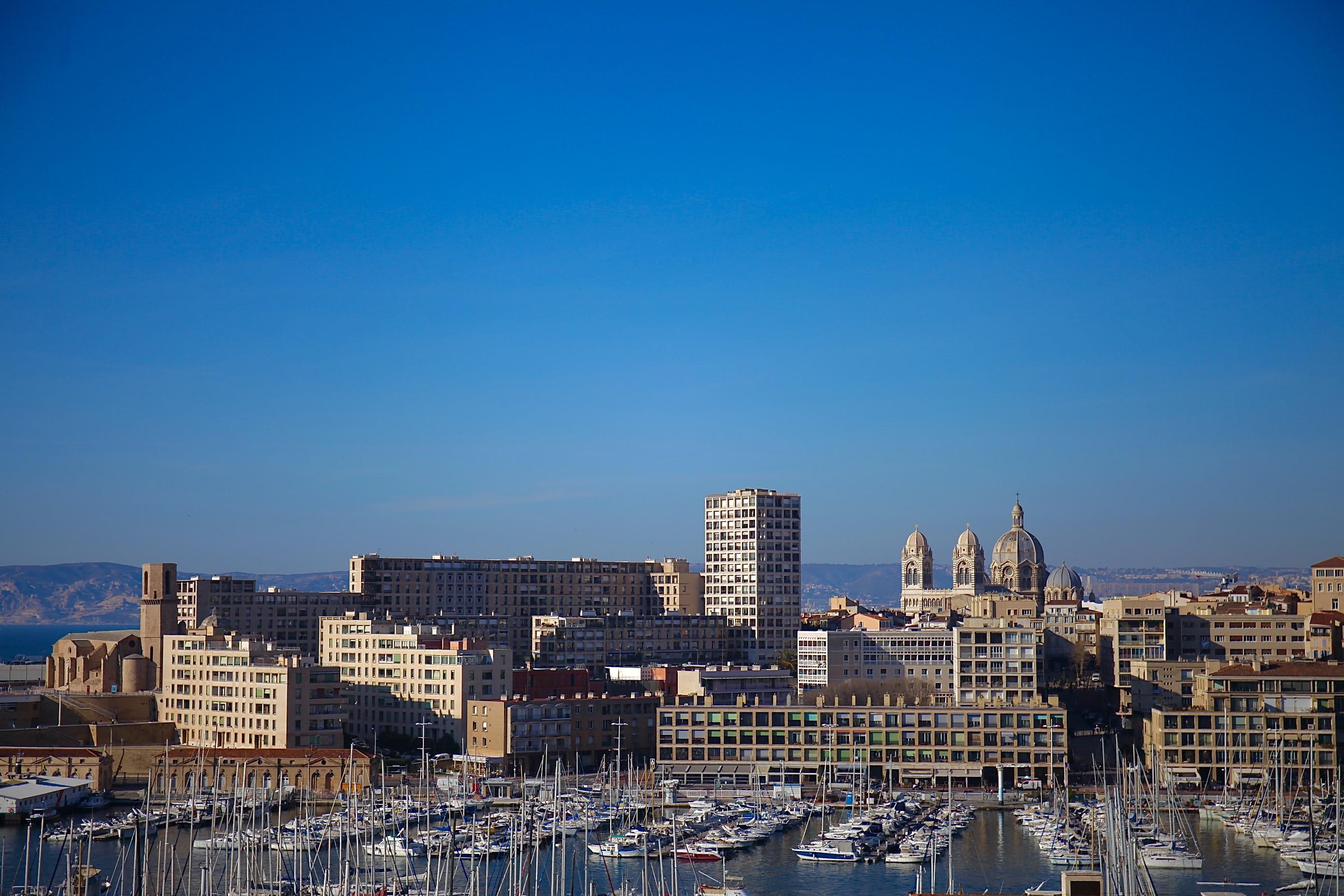 OFFRE AU PRIX - 7e - Saint Victor - Grand T2/3 avec balcon & vue mer - 335 000 €