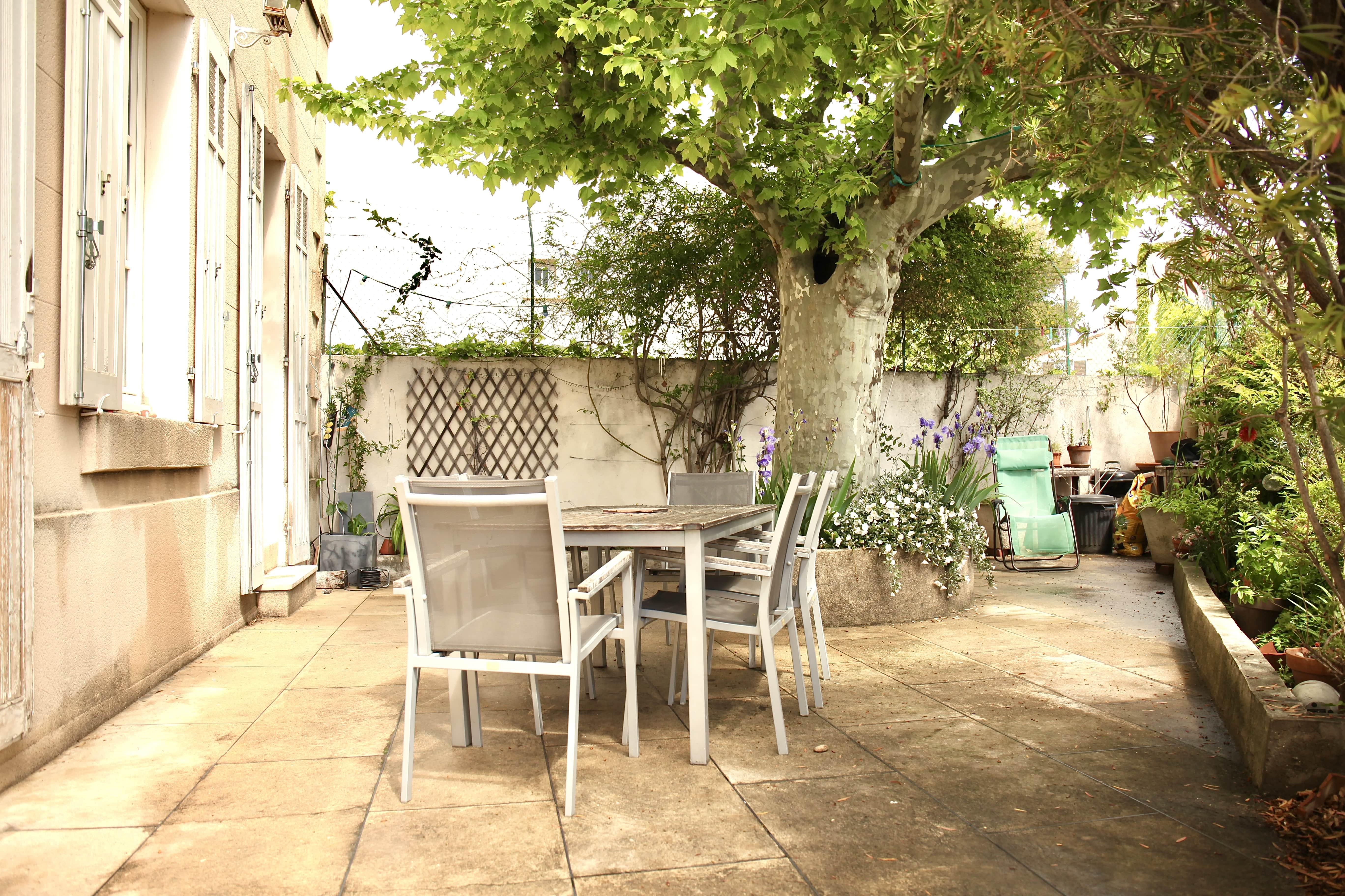 OFFRE AU PRIX  - Saint Barnabé - Charmante maison avec cour - 675 000 €