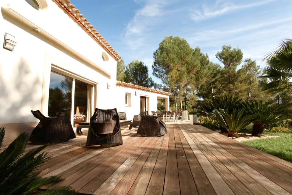 VENDU  -11e -  La Treille - Maison avec Piscine / Terrain de  8400 m2 - 945 000 €
