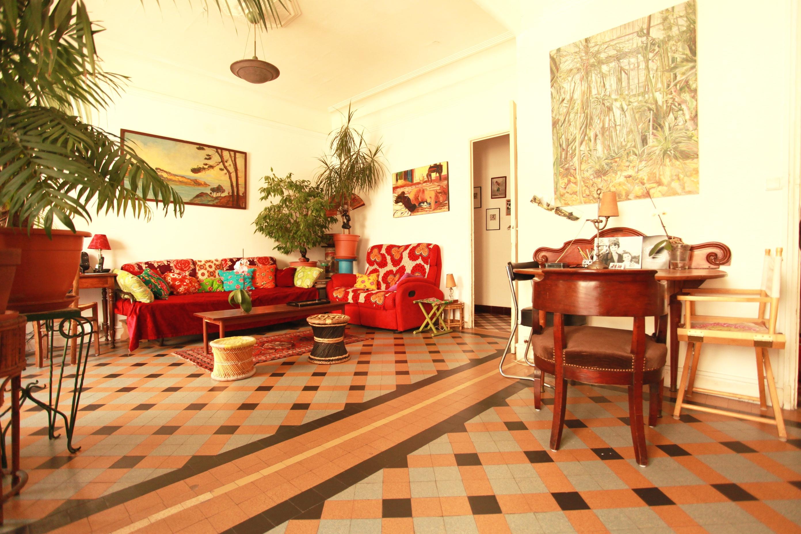 VENDU - Panier / République - T4/5 avec balcon - Toit-terrasse collectif - 256 000 €